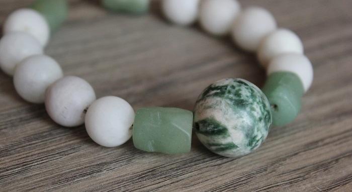 DIY Armband mit Steinelementen