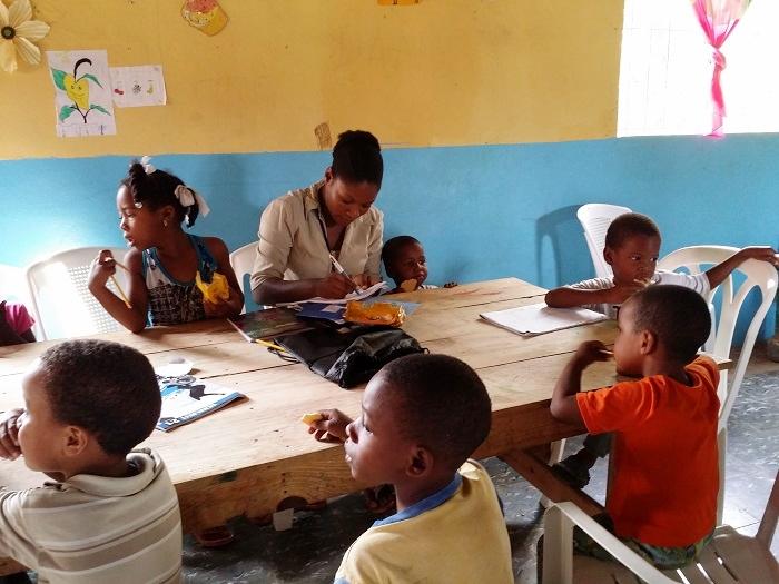 Schule für haitianische Flüchtlingskinder