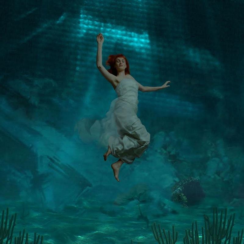 Carmen Underwater - BREATHE