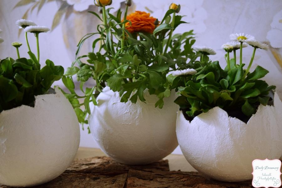 Blumendekoration für Ostern