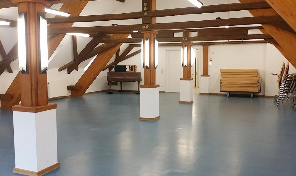 hochzeitssaal-holz-schloss|Säulensaal Gau-Algesheim