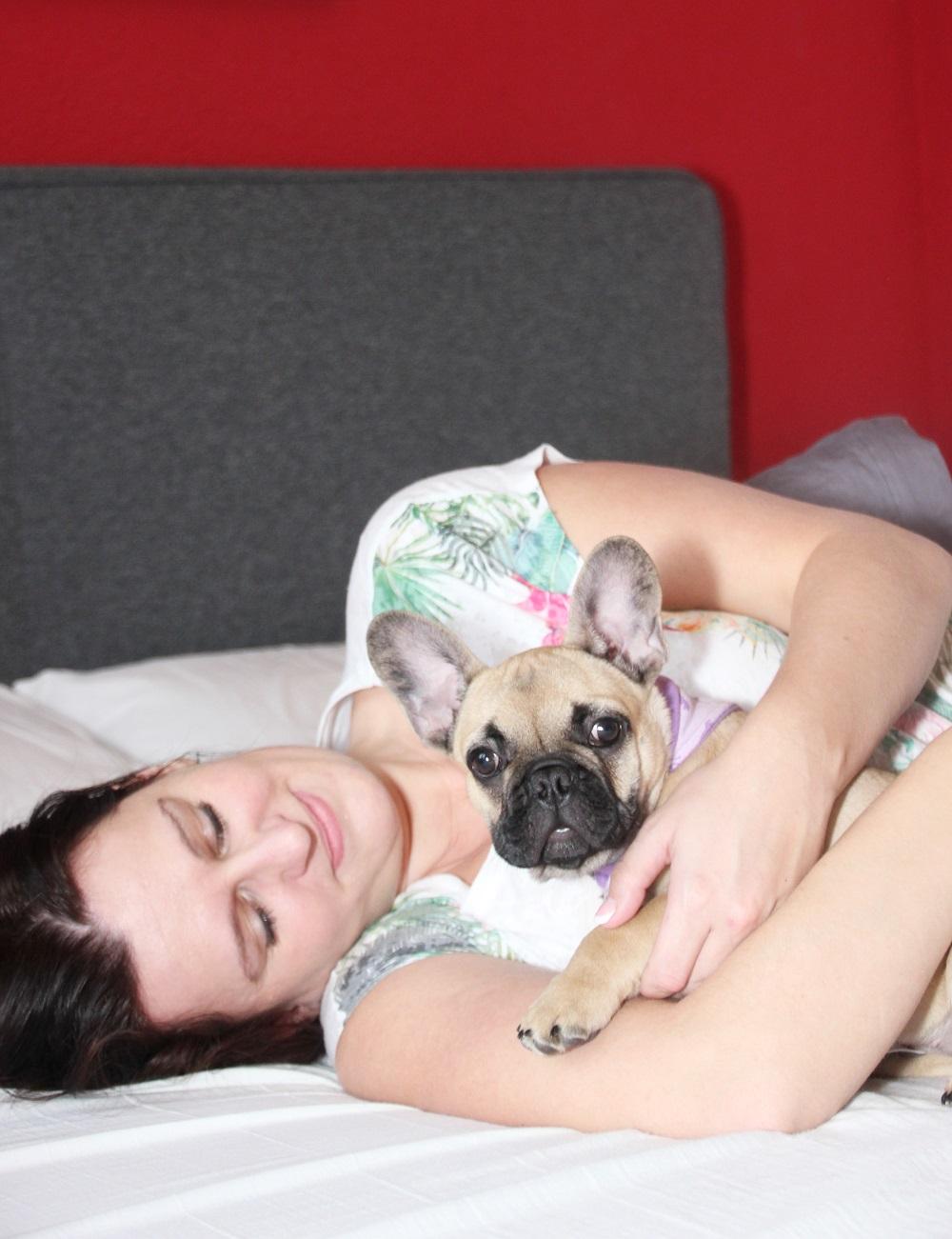 Emma Matratze Testbericht| Gesunder und erholsamer Schlaf |