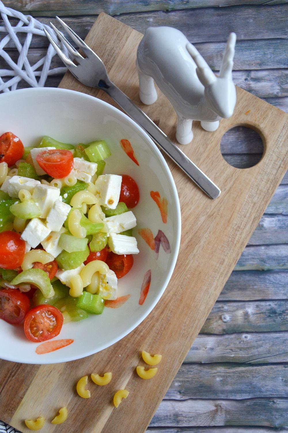 Schichtsalat to go| Zutaten Nudelsalat