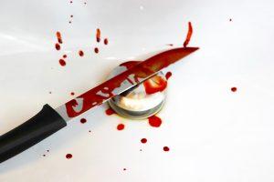 Messer mit Kunstblut