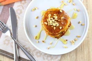 Pancakes mit Karotten und Buttermilch