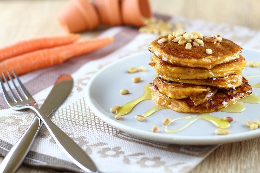 Pancakes mit Buttermilch und Karotten