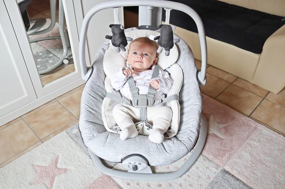 Spielzeug zur Förderung von Neugeborenen
