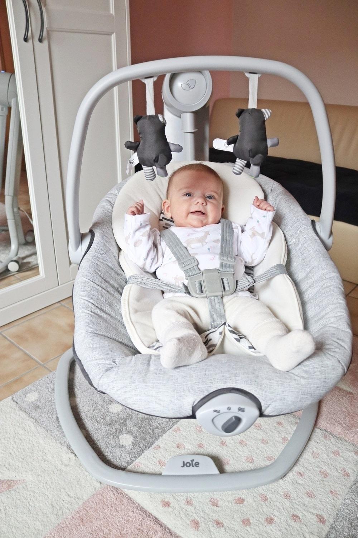 Babyspielzeug mit Musik zur Förderung der Sinne