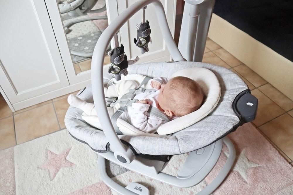 Babyschaukel mit Musik zum fördern von babys