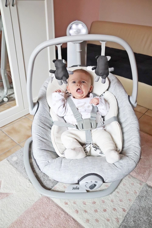 Babyschaukel zur förderung der Sinne