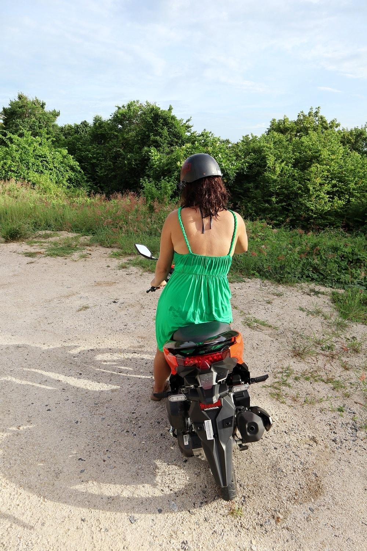 Roller fahren auf Koh Tao