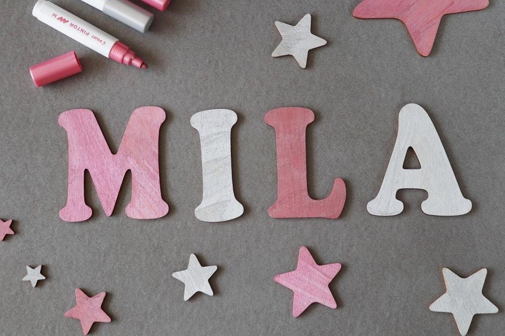 Holzbuchstaben Kinderzimmertür