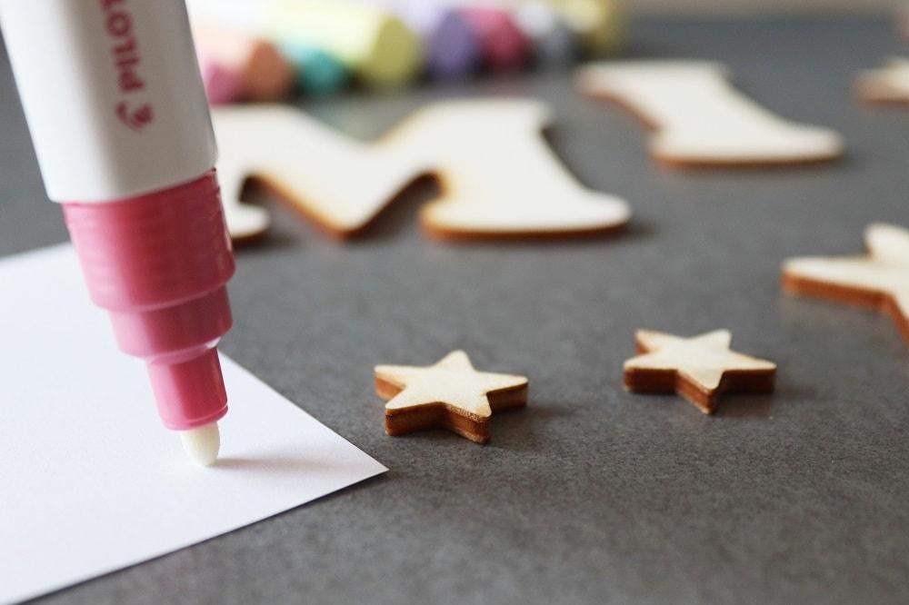Holzbuchstaben mit welchen Stiften bemalen