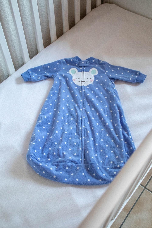 Regeln-sicherer-Babyschlaf-erstes-Lebensjahr