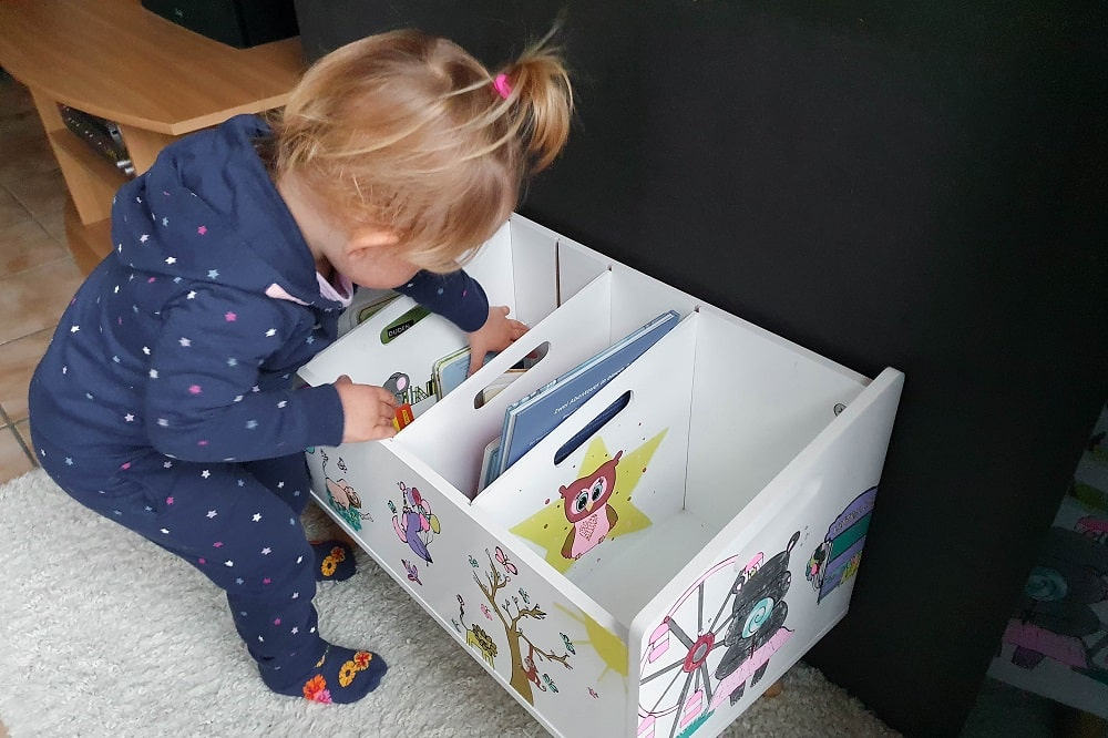 Bücherregal für Kinder-Bilderbücher sinnvoll unterbringen