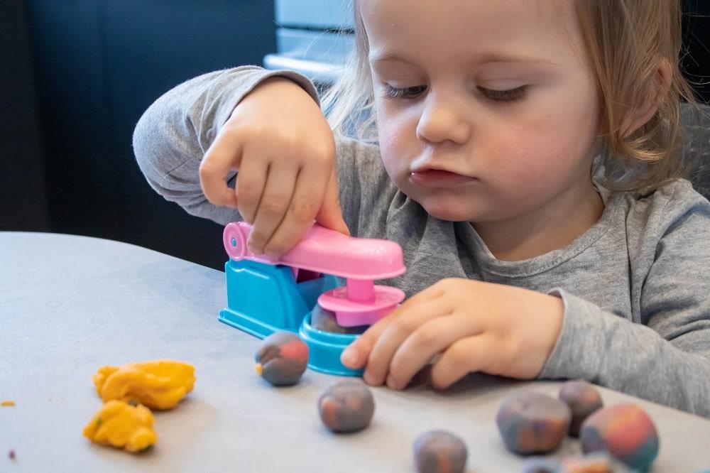 Spiel und Beschäftigungsideen für Kleinkinder